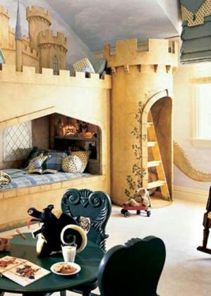 Lit chateau fort